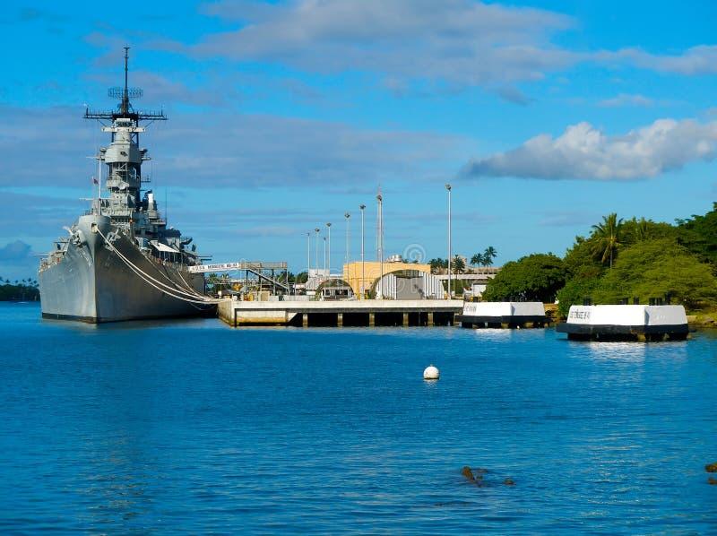 Memorial do cruzador de batalha no Pearl Harbor fotografia de stock royalty free