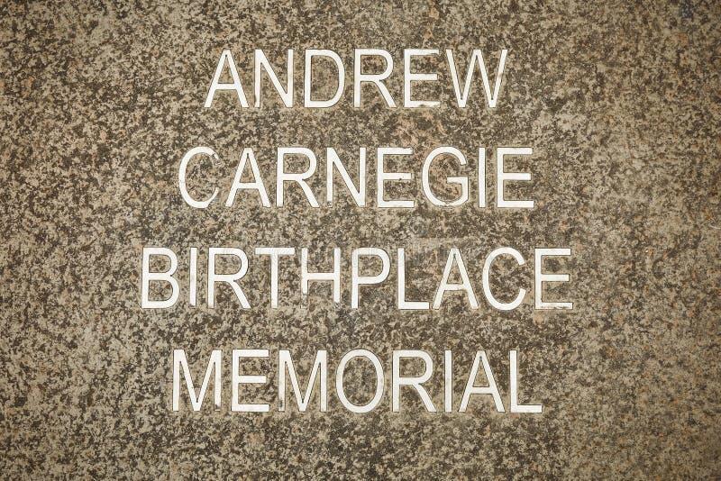 Memorial do lugar de nascimento de Andrew Carnegie em Dunfermline, Escócia foto de stock
