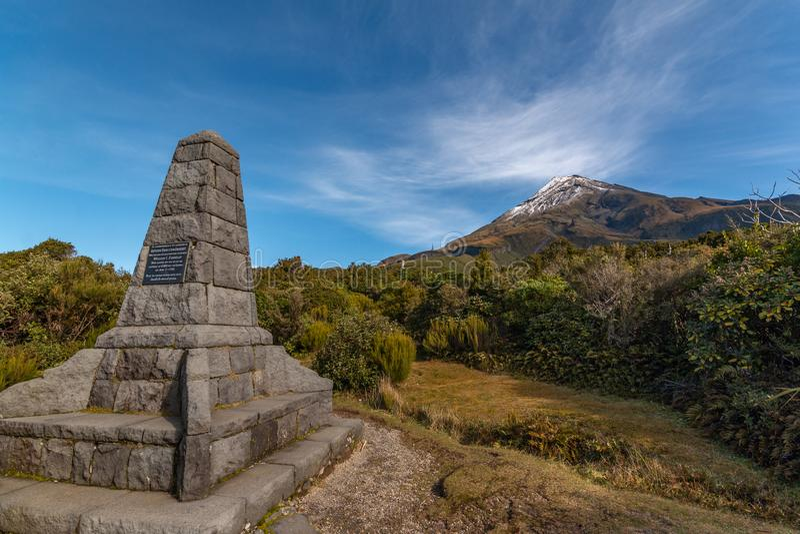 Memorial em Mt Taranaki fotografia de stock