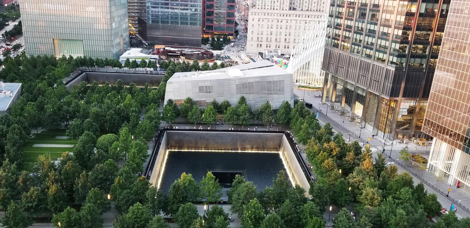 9/11 Memorial Museum 9. August 2019 mit Parkanlage stockbilder
