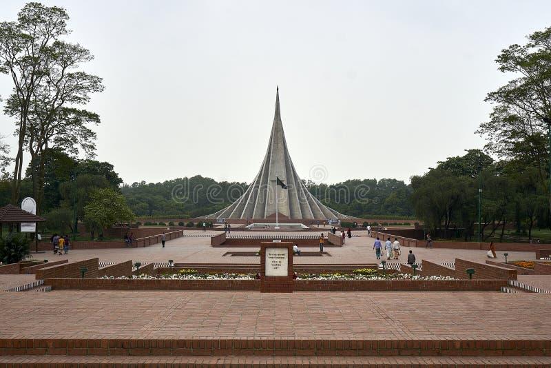 Memorial nacional dos mártir de Bangladesh em Savar foto de stock royalty free
