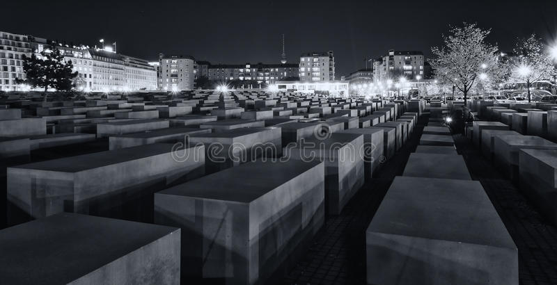 Download Memorial To The Murdered Jews Of Europe At Night Editorial Stock Image - Image: 27242264