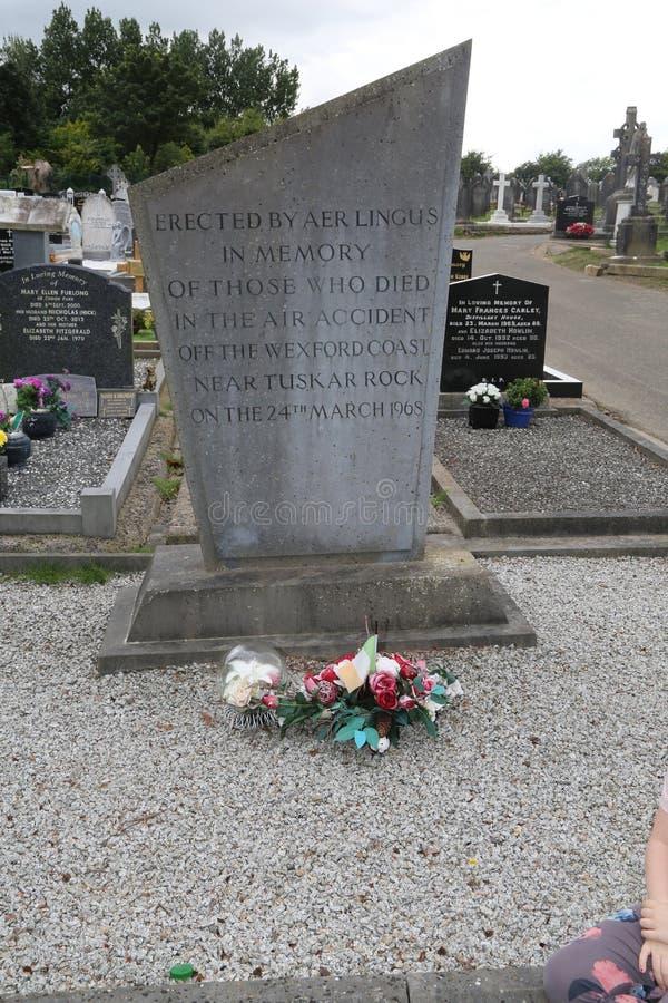 Memorial tuskar do co wexford da rocha 1968 do impacto do visconde de Aer Lingus foto de stock royalty free