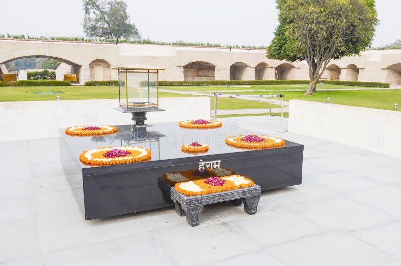 Memoriale di cremazione di Mahatma Gandhi, Nuova Delhi, India fotografia stock