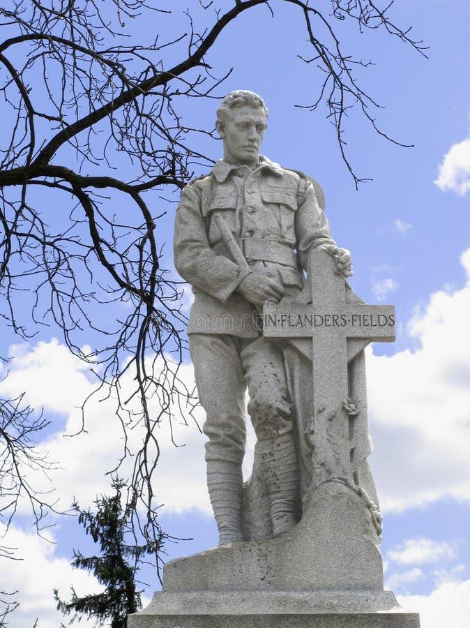 Memoriale di guerra della statua del soldato fotografia stock