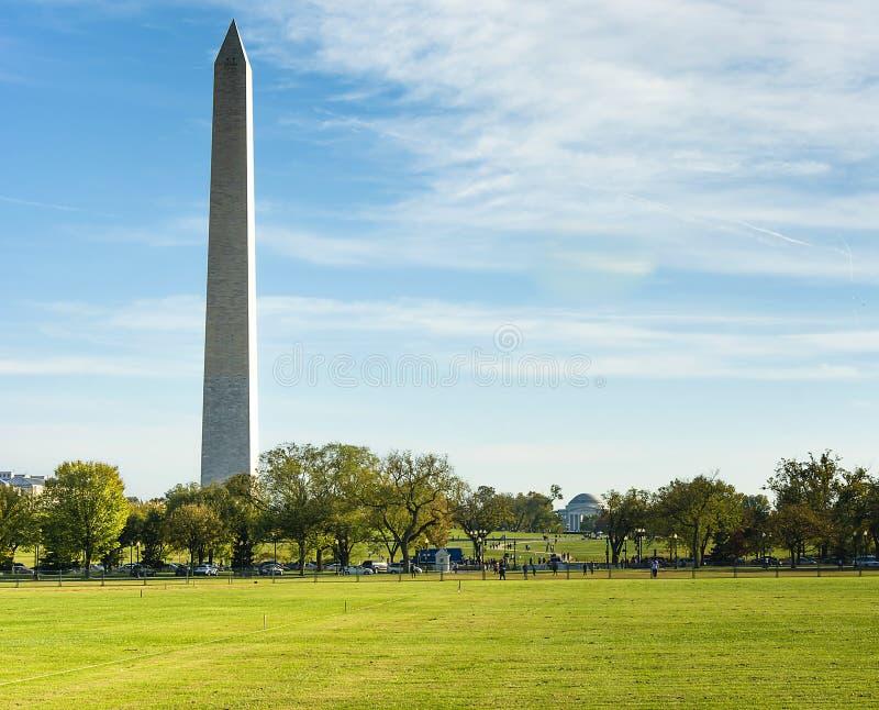 Memoriale di Jefferson e di Washington Monument fotografia stock libera da diritti