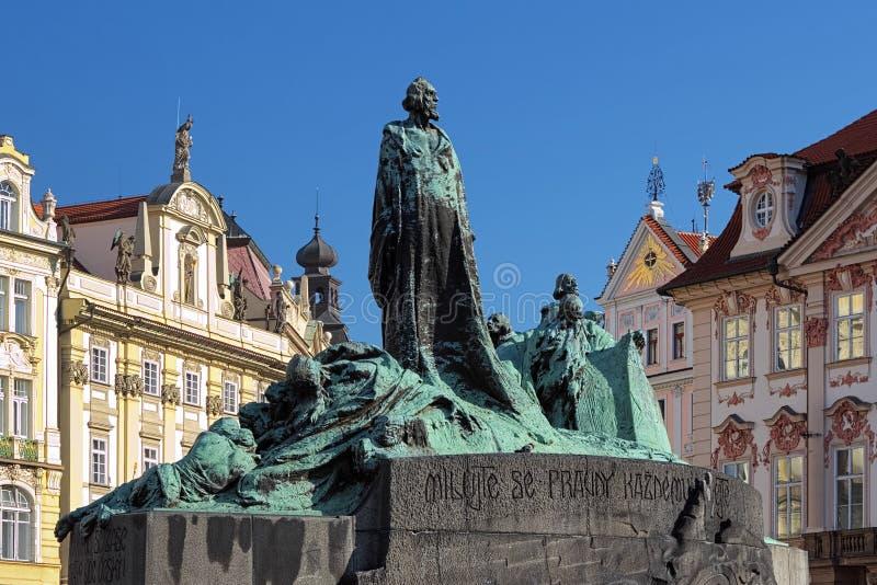 Memoriale gennaio di Hus sulla vecchia piazza a Praga fotografia stock libera da diritti