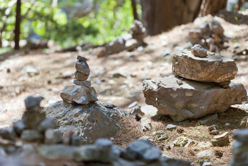 Memoriali di pietra presso Samaria Gorge fotografie stock