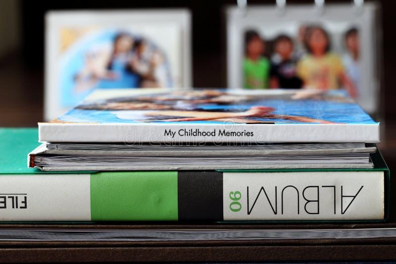 Memorias de la familia y de la foto de la niñez imagen de archivo libre de regalías