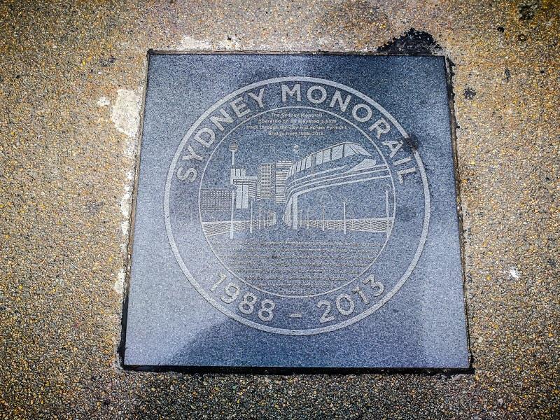 Memorie 1988-2013 del piatto della pietra del cerchio del ` di Sydney Monorail del ` sul terreno del ponte di Pyrmont fotografie stock