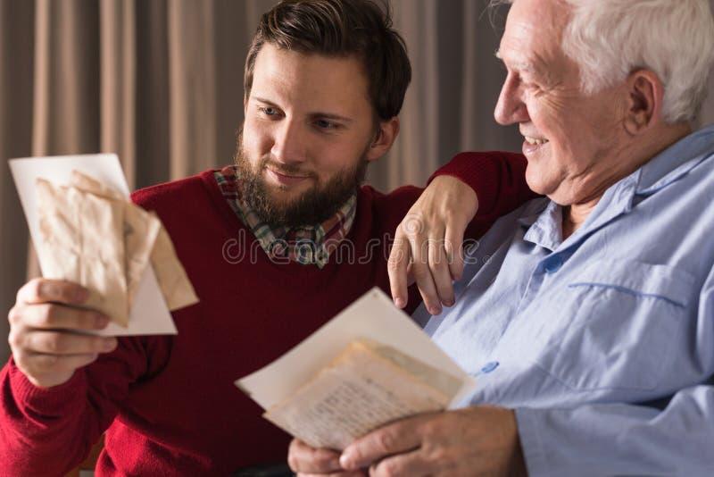 Memorie e amore dei genitori immagini stock libere da diritti