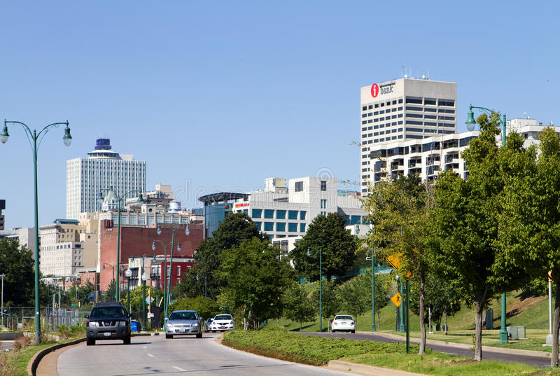 Download Memphis Skyline Traffic Editorial Stock Photo - Image: 25706853