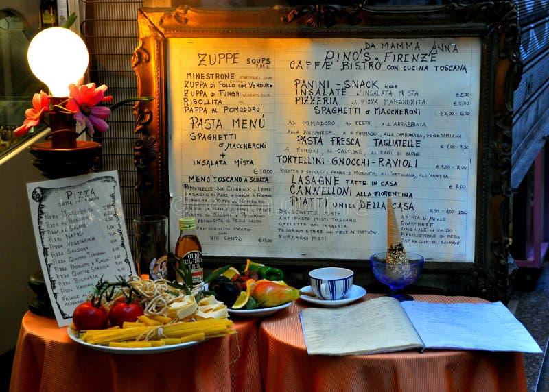 Menú italiano del restaurante en Florencia imagenes de archivo