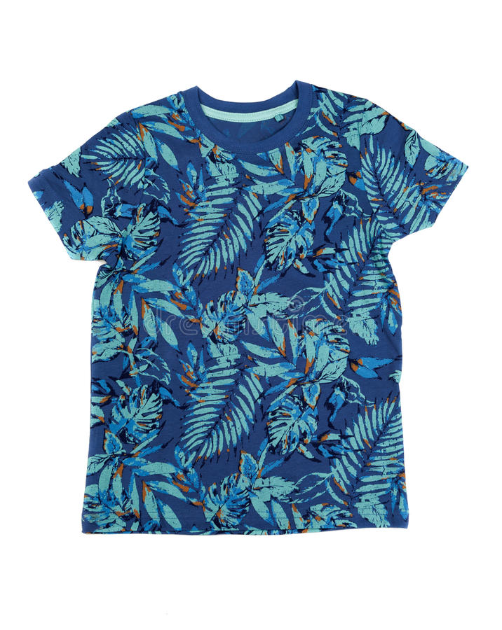 Men& x27 μπλούζα του s με ένα τροπικό σχέδιο απομονώστε στοκ εικόνα με δικαίωμα ελεύθερης χρήσης