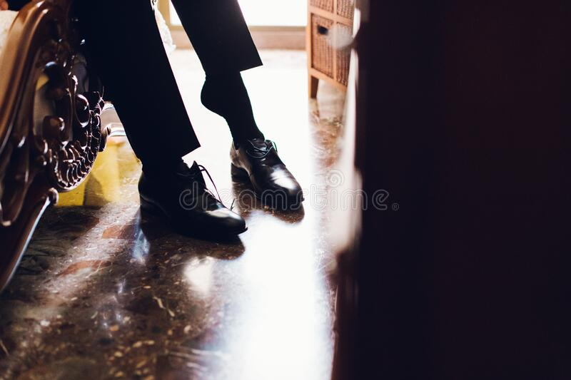 Men S Shoes To Dress By Choosing The Day Of The Wedding Stock