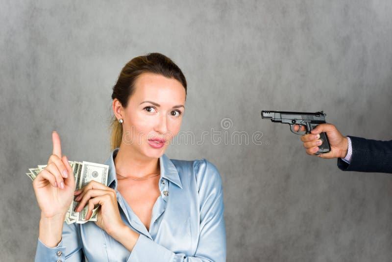 Menace pour les finances personnelles, stockage peu sûr d'argent liquide image libre de droits