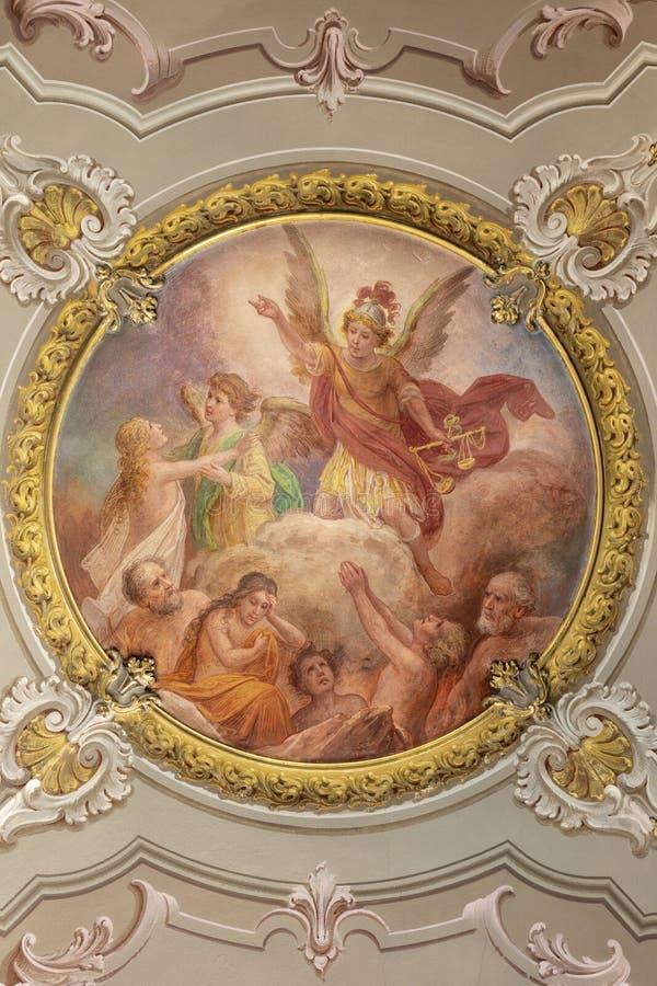 MENAGGIO, ITALIË - 2015: Het Laatste oordeel van de neobaroquefresko in Di Santo Stefano van kerkchiesa door Luigi Tagliaferri 18 stock afbeeldingen