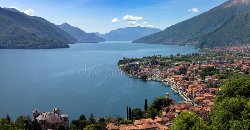 Menaggio-Stadt Como See und Berge stockfotografie