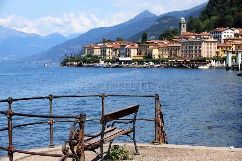 Menaggio, un centro turístico famoso de la orilla del lago en Italia imágenes de archivo libres de regalías