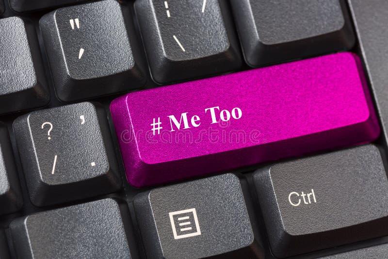 Menchie barwili Ja Zbyt guzik na czarnej komputerowej klawiaturze Molestowania seksualnego pojęcie obraz stock