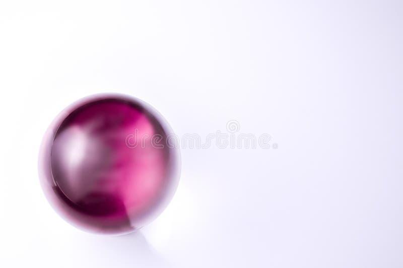 Menchie lub purpurowa szklana piłka fotografia royalty free