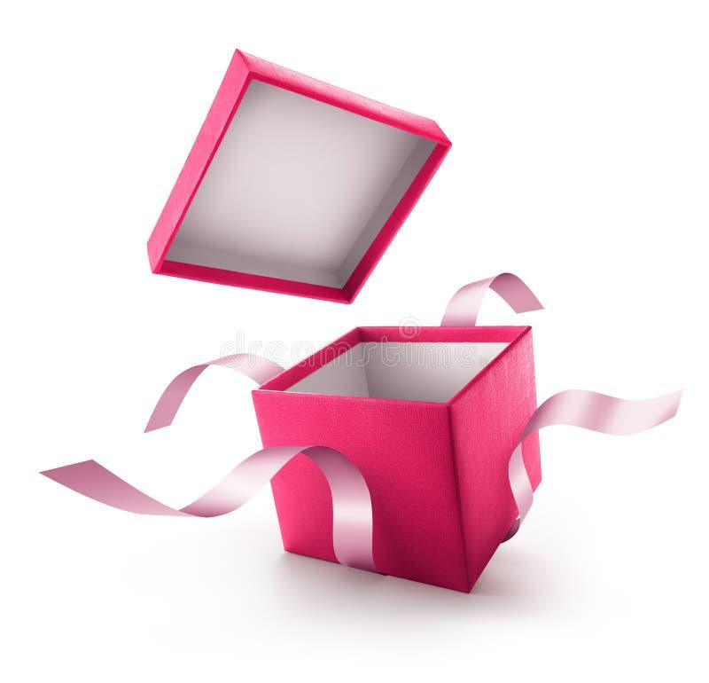 Menchie otwierają prezenta pudełko z faborkiem ilustracji