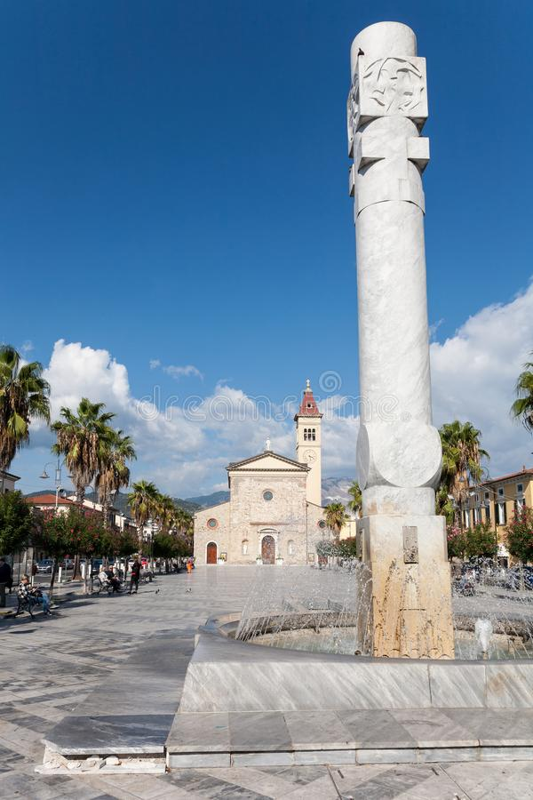 Menconi-Quadrat, Marina di Carrara, Italien lizenzfreie stockfotografie