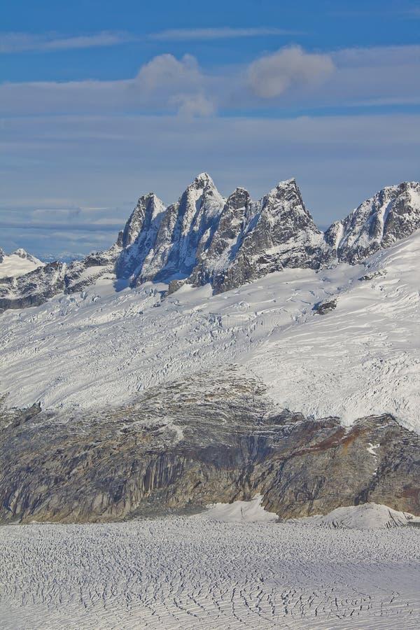 Download Mendenhall冰川山 库存图片. 图片 包括有 旅行, 探险, 地质, scotching的, 长期 - 59108951