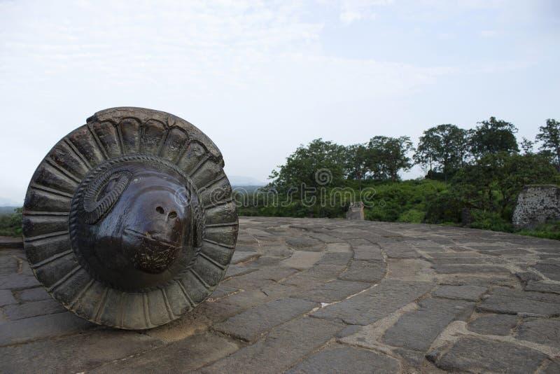 Mendha Tope kanon med RAMs huvud på det Daulatabad fortet, Aurangabad, Maharashtra, Indien arkivfoton