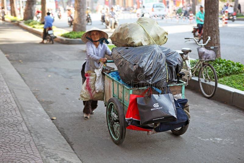 Mendiant dans Saigon photo stock