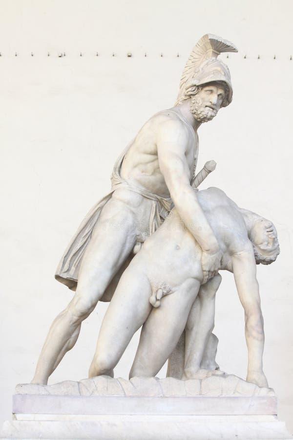 Menelaus som stöttar huvuddelen av Patroclus royaltyfri bild