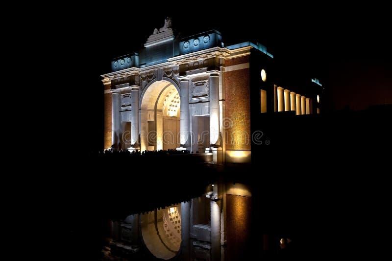 Menenpoort, portone di Mening, Ypres, Ieper, Belgio immagine stock libera da diritti