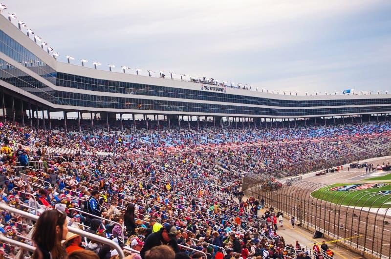 Menge an Rennen 2016 Duck Commanders 500 NASCAR lizenzfreie stockfotos