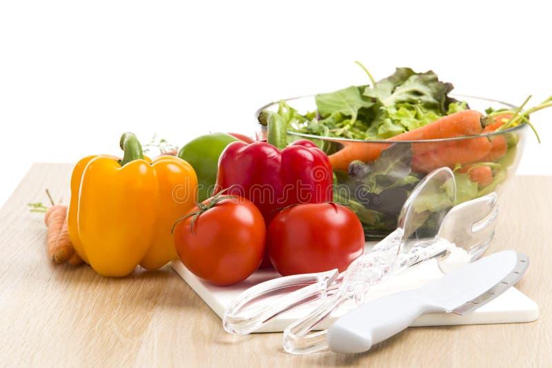 Mengeling van groenten op salade stock foto's