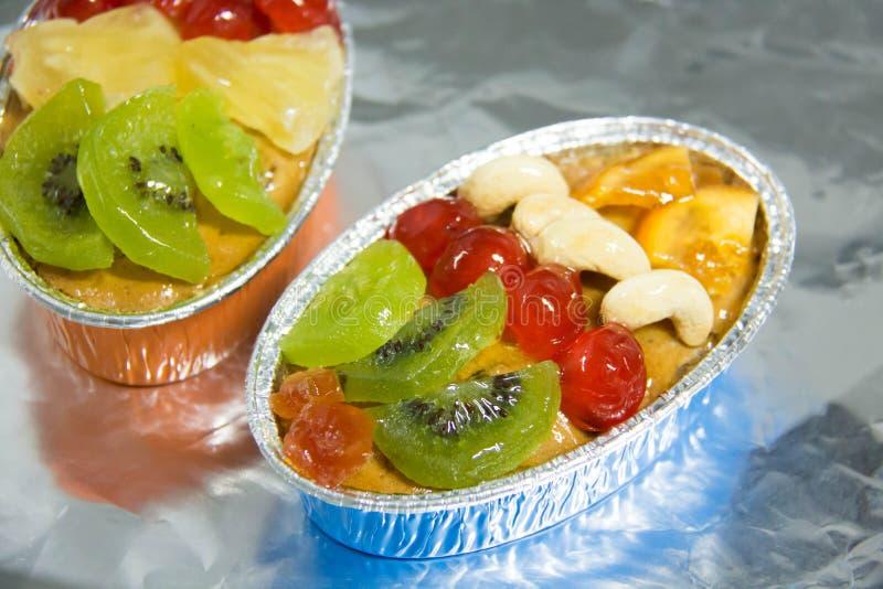 Mengelingsvruchten cake met amandelnoot en gedroogd fruit royalty-vrije stock foto