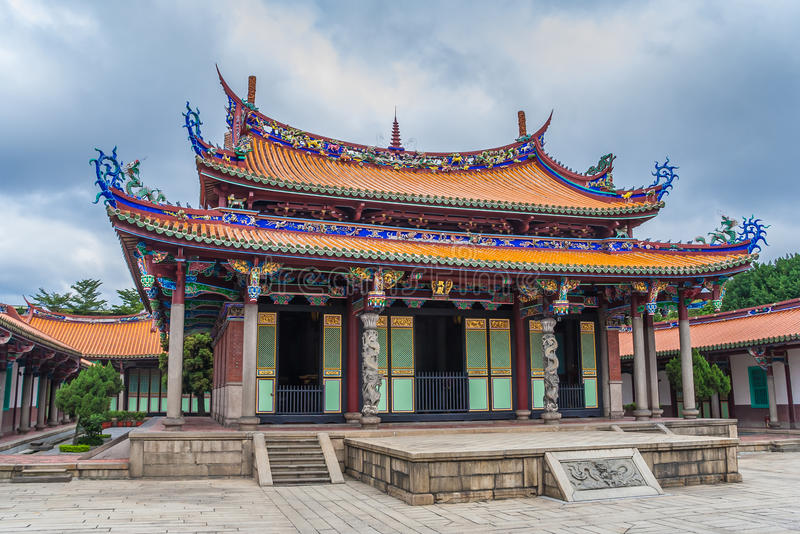 Mengjia Longshan tempel för en blandning av buddist- och Taoistdeien arkivfoton