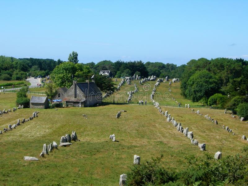 Menhirs i Carnac Bretagne Frankrike royaltyfri bild