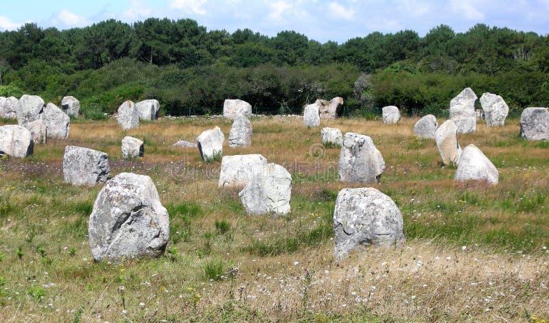 Menhirs i Carnac Bretagne Frankrike royaltyfria bilder