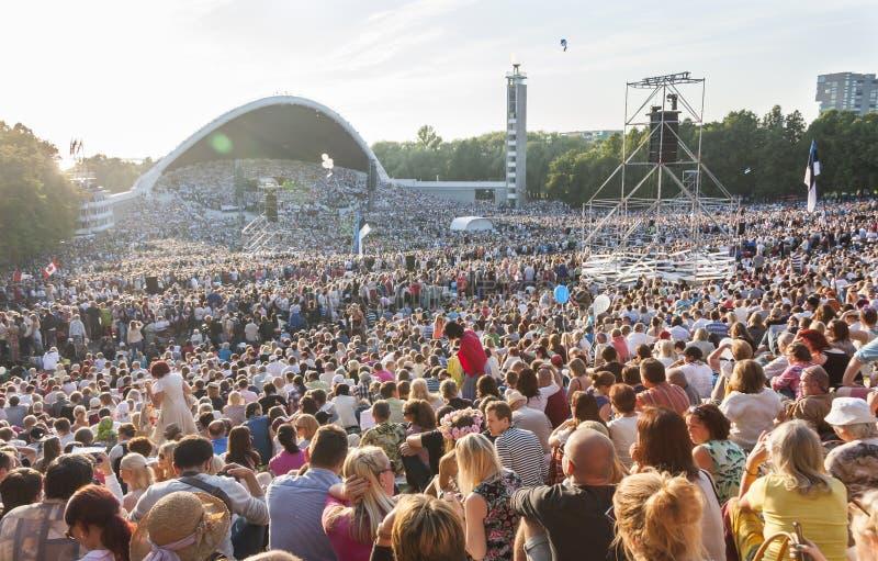 Menigte bij Estlands Nationaal Liedfestival in Tallinn royalty-vrije stock afbeeldingen