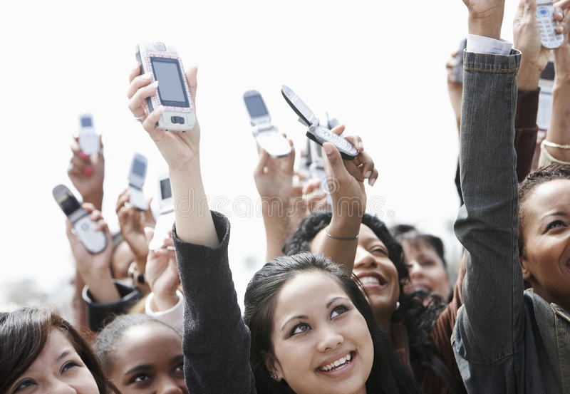 Menigte die Cellphones steunen royalty-vrije stock foto's