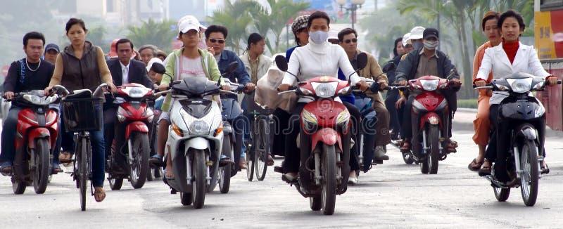 Menigte op Aziatische straat stock fotografie