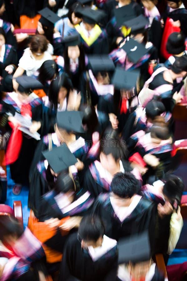 Menigte van gediplomeerden royalty-vrije stock afbeelding