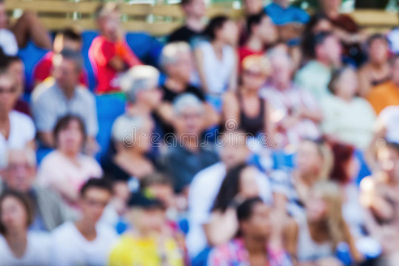 Menigte van toeschouwers uit nadruk stock foto's