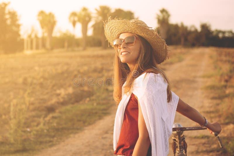 Menina à moda do país foto de stock royalty free