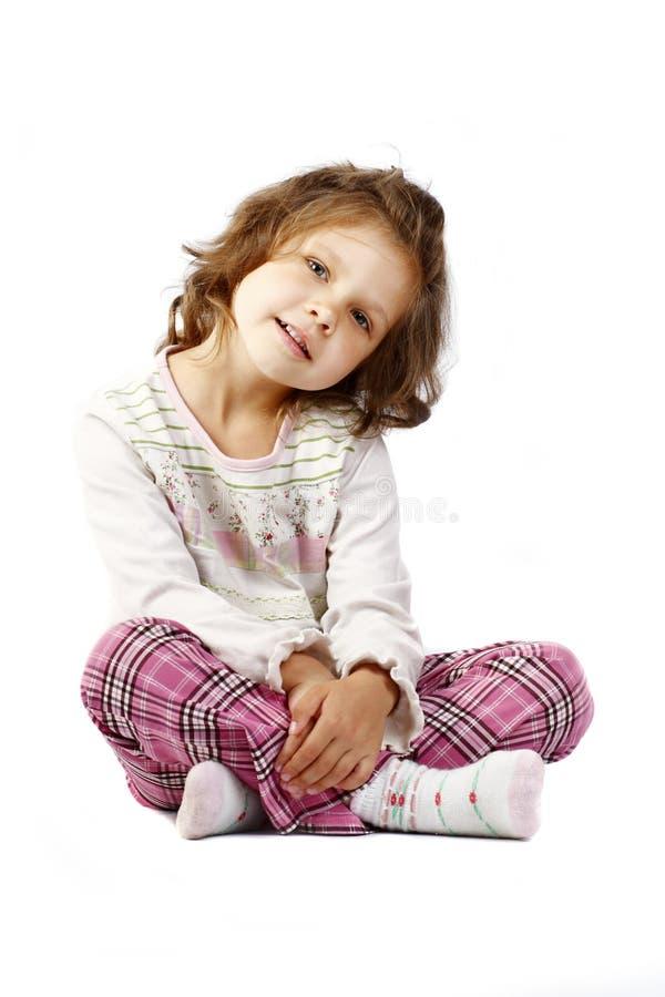Menina 5 anos isolados em um fundo branco imagens de stock