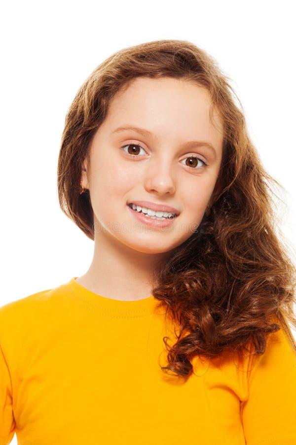 Menina adolescente de sorriso imagens de stock royalty free