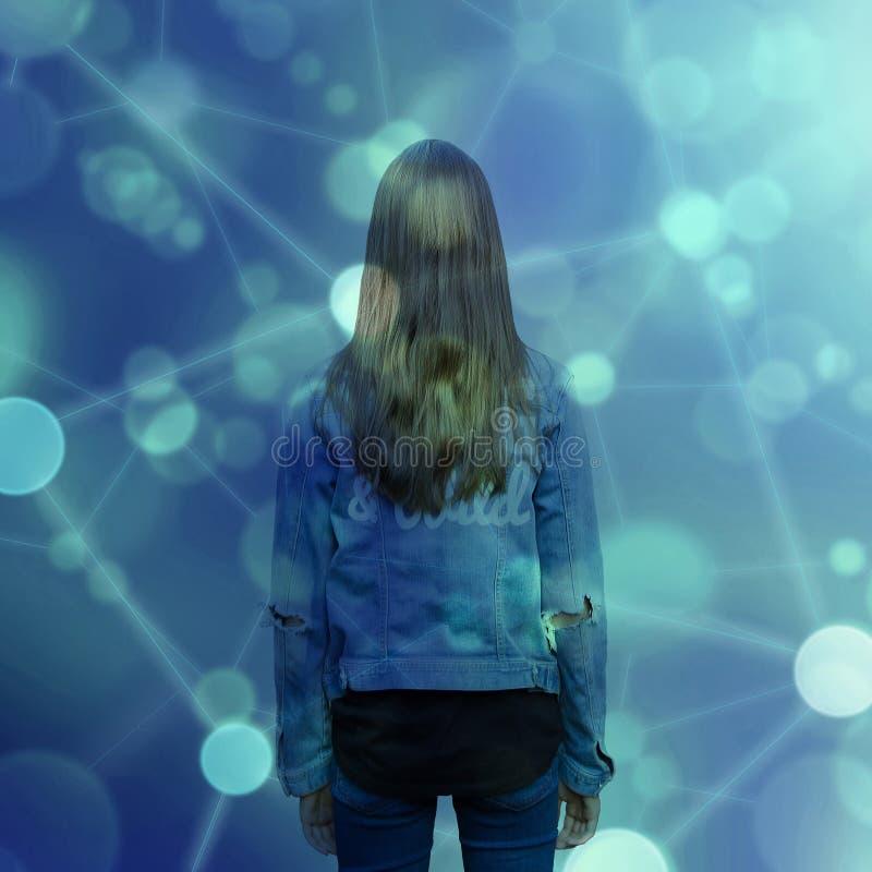 Menina adolescente do adolescente e rede social foto de stock royalty free