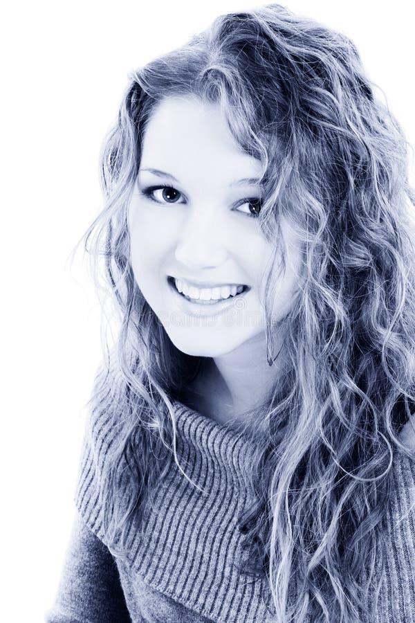 Menina adolescente dos anos de idade dezesseis bonitos em tons azuis imagens de stock