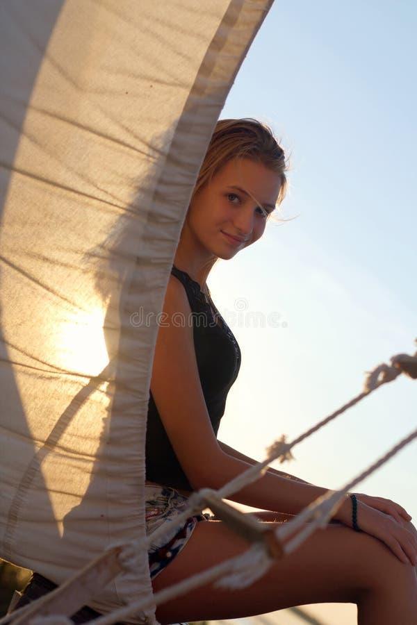 Menina adolescente encantador fotografia de stock