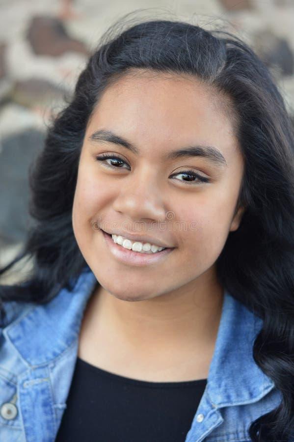 Menina adolescente Multi-racial imagens de stock royalty free